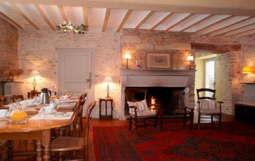 Location de vacances - Chambre d'hôtes à Joux-la-Ville - la salle à manger