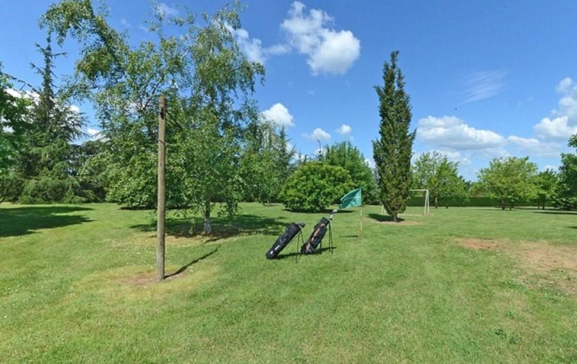Location de vacances - Gîte à Dondas - parc avec jeux 3 trous de golf practice amateur