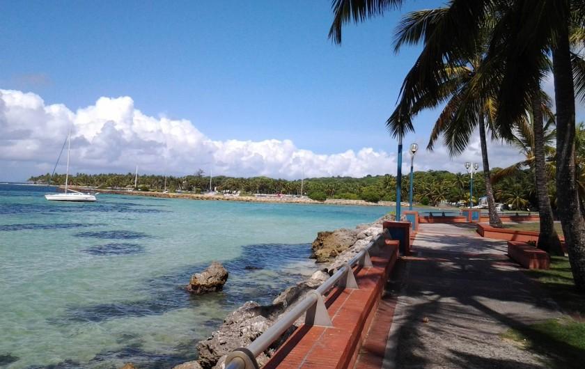 Location de vacances - Studio à Le Gosier - plage de la caravelle à Sainte Anne Distance de la résidence: 4 KM
