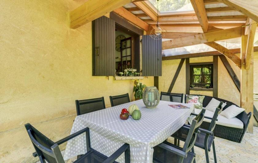 Location de vacances - Villa à Vezac - Terrasse soleil levant