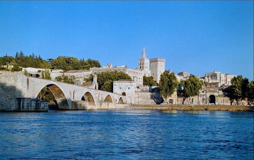 Location de vacances - Gîte à Mollégès - AVIGNON le pont
