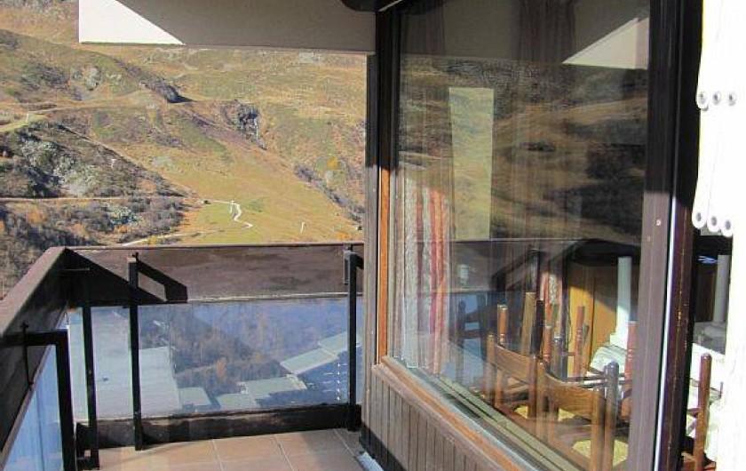 Location de vacances - Appartement à Les Menuires - balcon séjour sud l'été