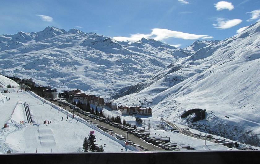 Location de vacances - Appartement à Les Menuires - vue du séjour sur la cime Caron