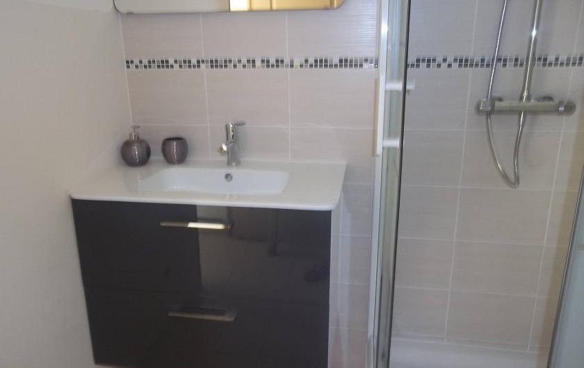 Location de vacances - Chambre d'hôtes à Rapale - Salle de bains chambre romarin