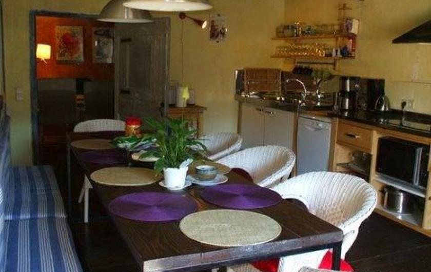 Location de vacances - Gîte à Sant Joan de les Abadesses - Salle à manger cuisine Gîte