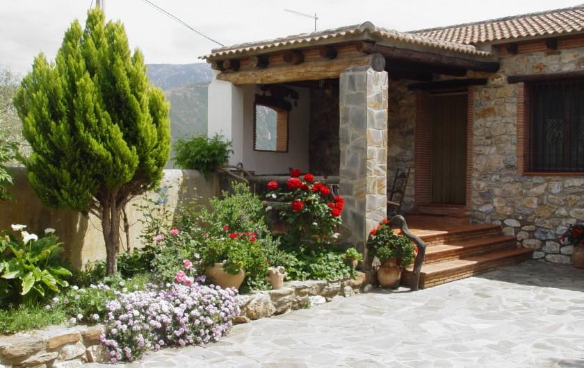 Location de vacances - Maison - Villa à Órgiva - Porche y jardin