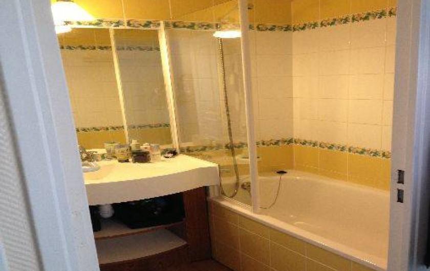 Location de vacances - Appartement à Valmeinier - salle de bains