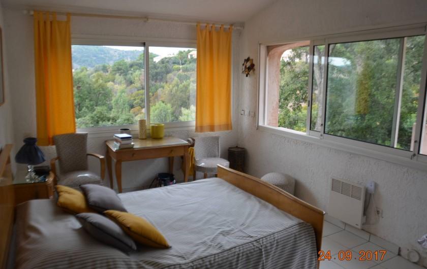 Location de vacances - Villa à Les Issambres - chambre rose
