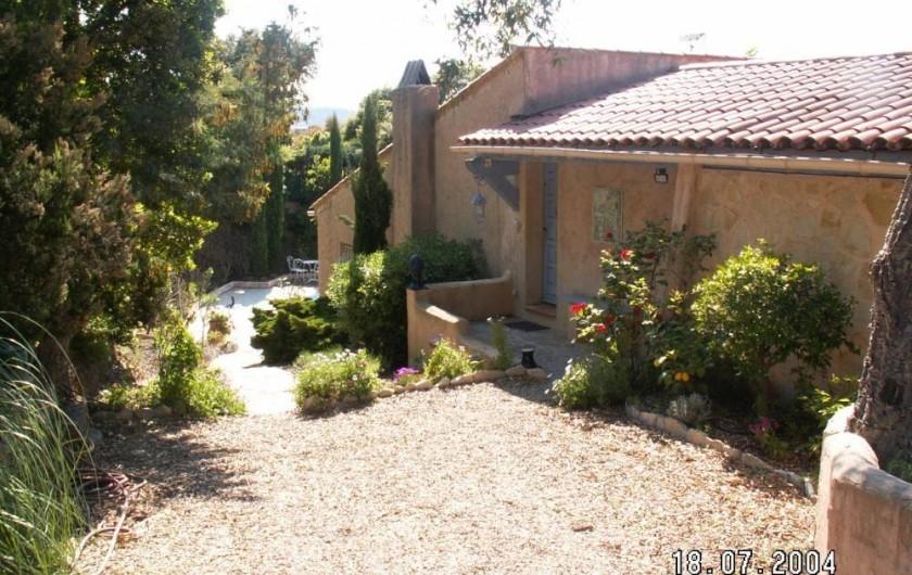 Location de vacances - Villa à Les Issambres - terrasse avec la tonnelle