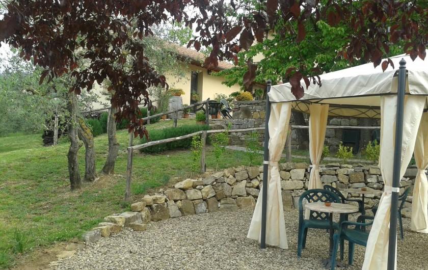 Location de vacances - Appartement à San Jacopo Al Girone - Jardin avec gazebo et barbecue
