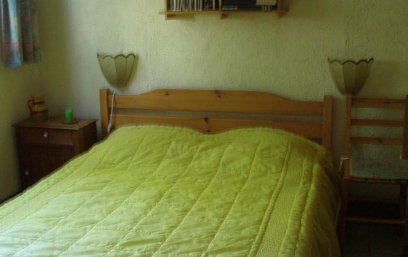 Location de vacances - Maison - Villa à Portiragnes Plage - chambre du rez de chaussée