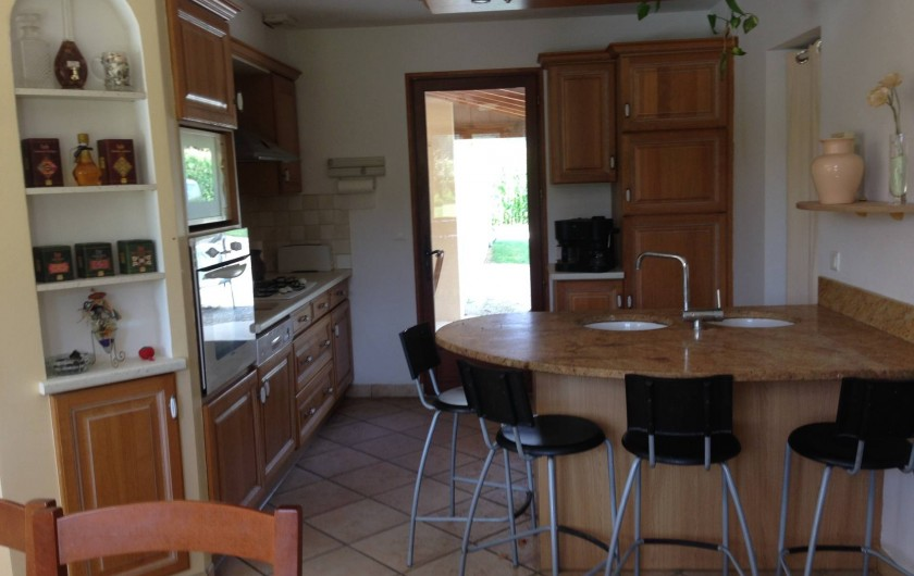 Location de vacances - Maison - Villa à Saint-Amand-de-Coly - cuisine