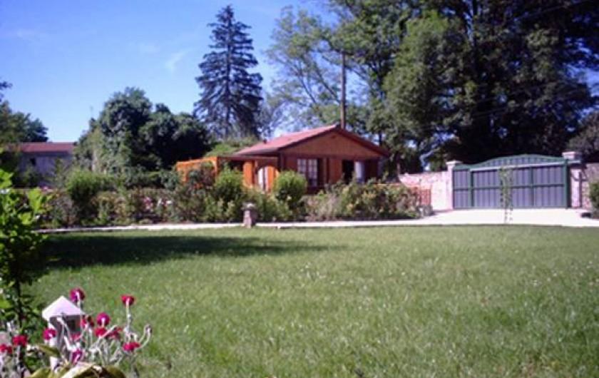 Location de vacances - Chalet à Périgueux - Vue générale du terrain