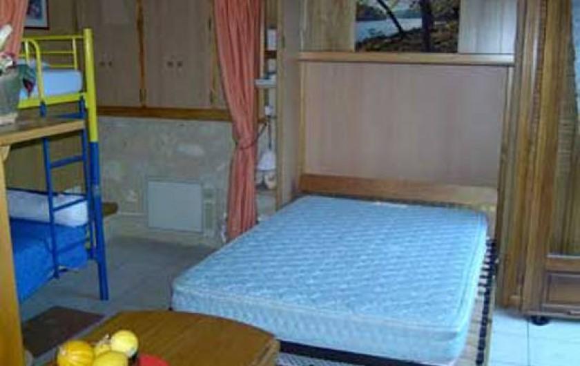 Location de vacances - Chalet à Périgueux - Lit escamotable