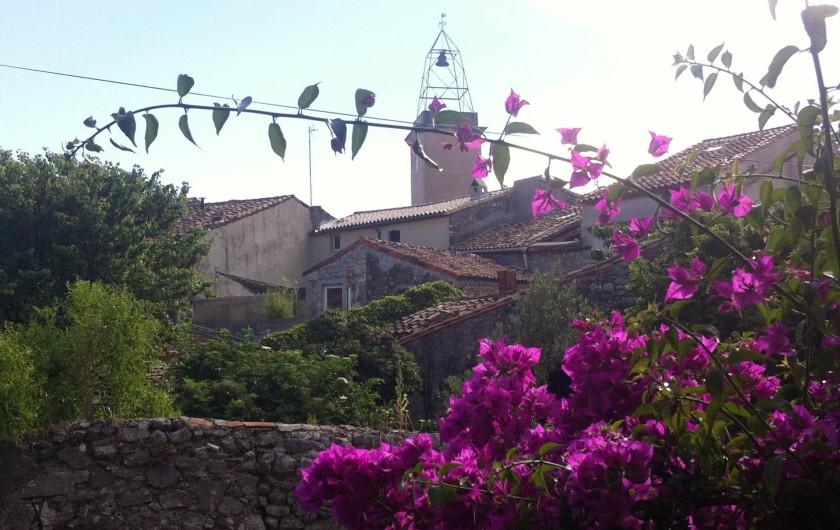 Location de vacances - Gîte à Montpeyroux - vieux toits du village