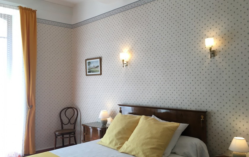 Location de vacances - Gîte à Montpeyroux - autre chambre lit deux personnes
