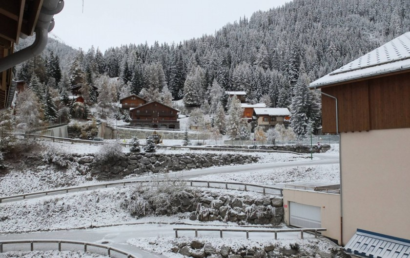 Location de vacances - Appartement à Station de Valfréjus - Excellente vue sur la station et les massif 1ère piste à 150m
