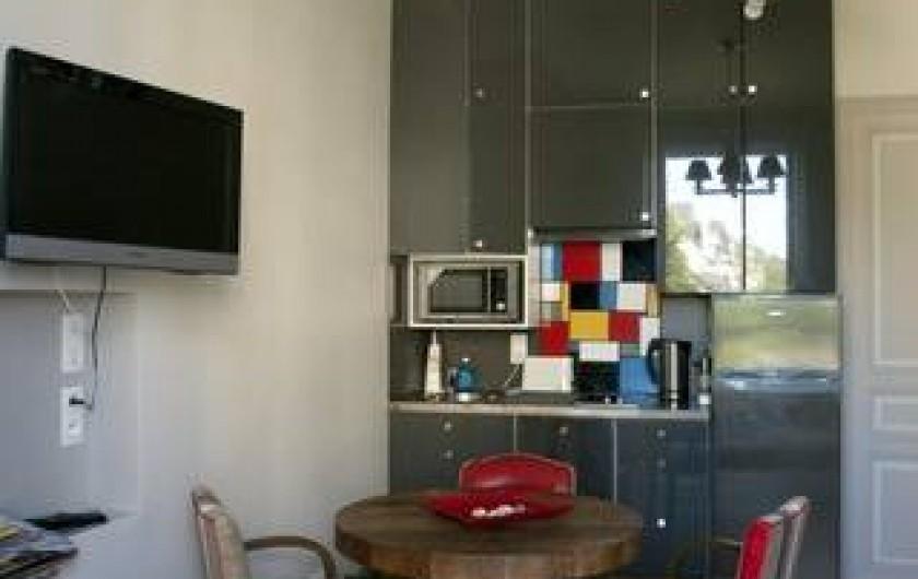 Location de vacances - Appartement à Trouville-sur-Mer - Salon avec cuisine américaine
