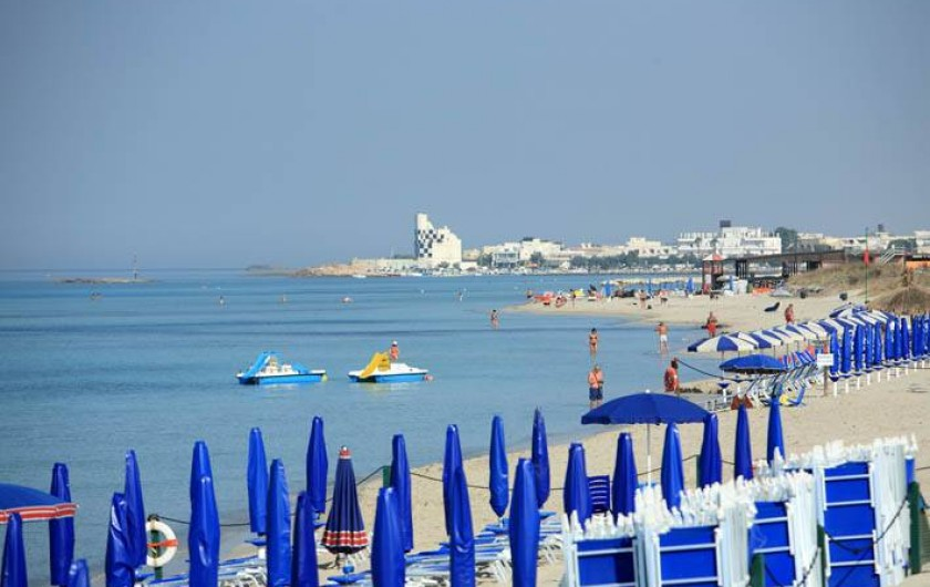 Location de vacances - Appartement à Torre San Giovanni - Torre San Giovanni, étendue de 5 km de plages