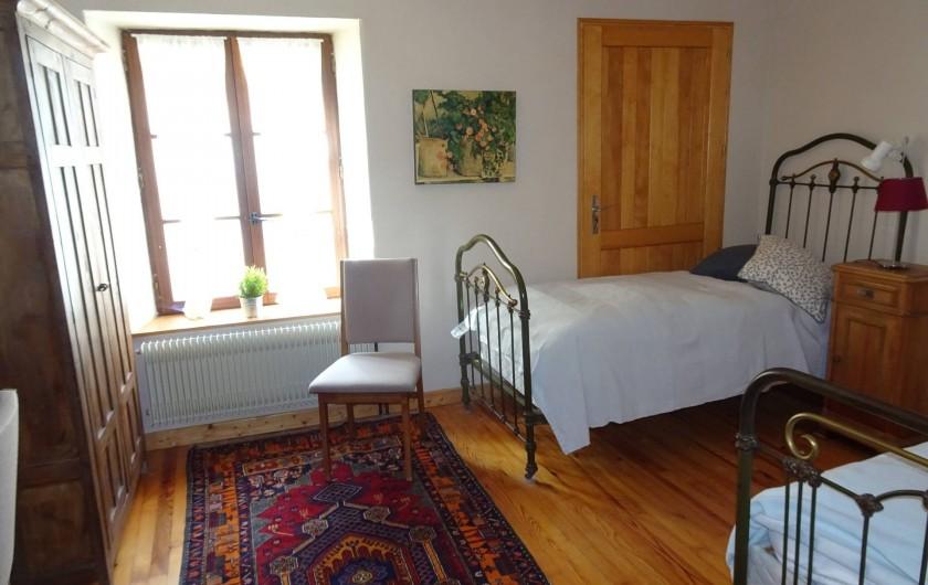 """Location de vacances - Chambre d'hôtes à Lods - Chambre """"Cézanne"""""""