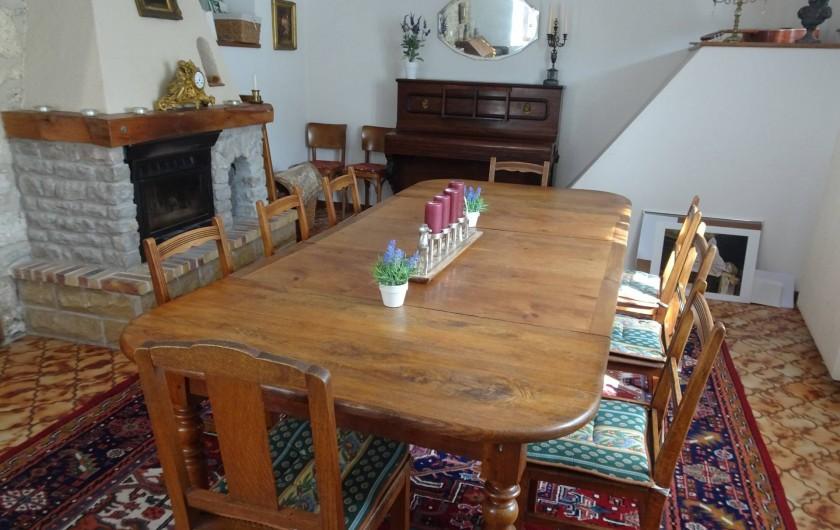 Location de vacances - Chambre d'hôtes à Lods - Salle à manger