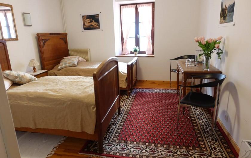 """Location de vacances - Chambre d'hôtes à Lods - Chambre """"Courbet"""""""