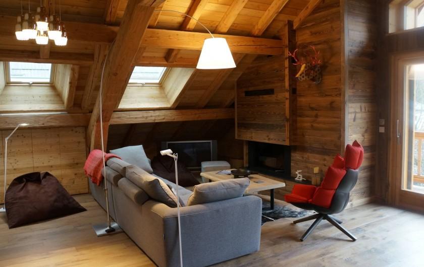 Location de vacances - Appartement à La Salle-les-Alpes - Cheminée et coin lecture
