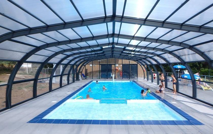 Location de vacances - Chalet à Menet - Nouvelle piscine du village vacances ouverte depuis 2017 Avec pataugeoire