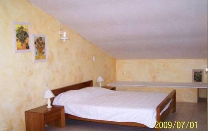 Location de vacances - Maison - Villa à Mérindol - Chambre 2 à l'étage de 40 m2