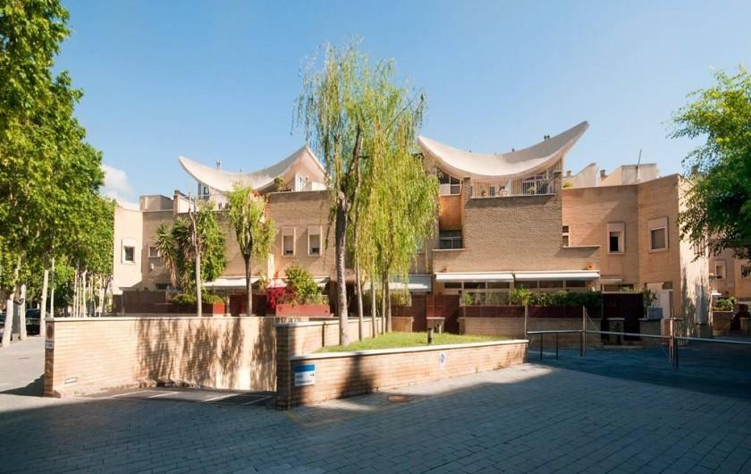 Location de vacances - Villa à Vila Olímpica - Façade du première rue, comme la maison