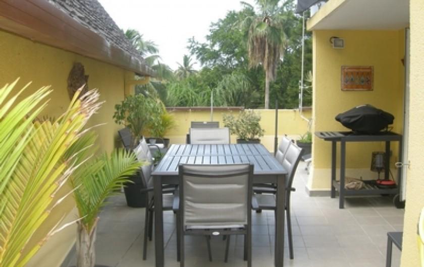 Location de vacances - Appartement à Saint-Gilles les Bains - Terrasse aménagée