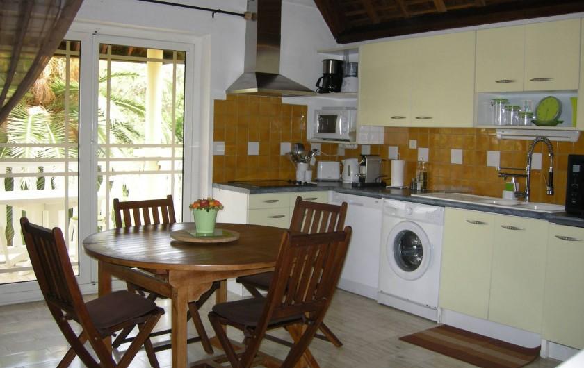 Location de vacances - Appartement à Saint-Gilles les Bains - Étage 2 - Cuisine