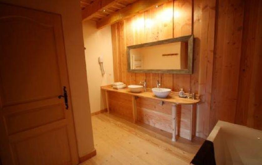 """Location de vacances - Chambre d'hôtes à Le Clerjus - Chambre """"Rubis"""""""