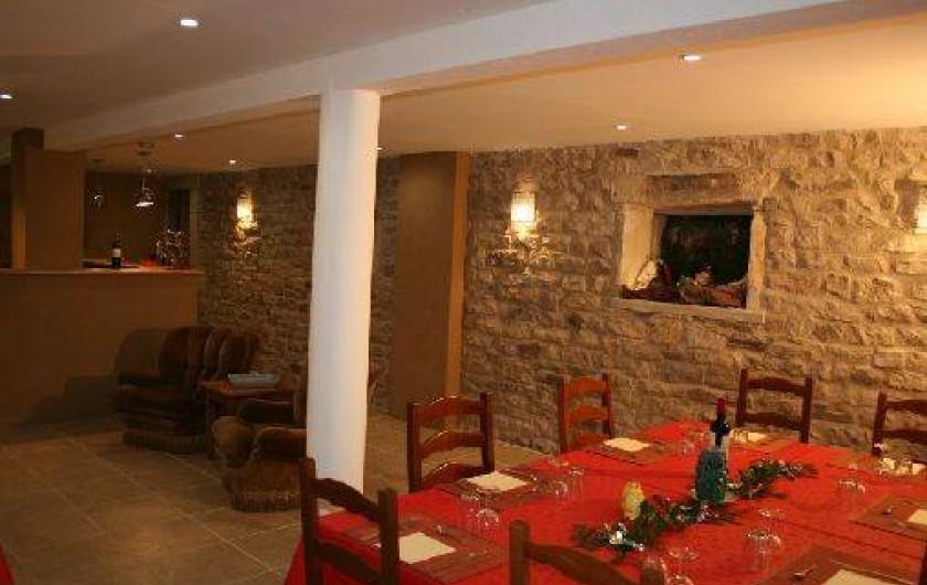 Location de vacances - Chambre d'hôtes à Le Clerjus - La salle de la table d'hôtes
