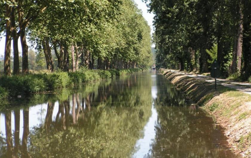 Location de vacances - Gîte à Saint-Agne - Le canal de Lalinde et son chemin de halage