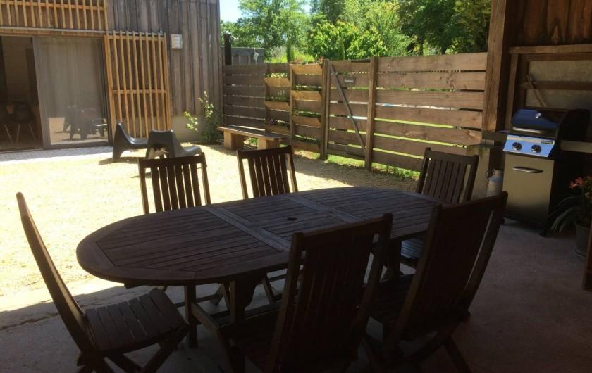 Location de vacances - Gîte à Saint-Agne - Espace repas extérieur
