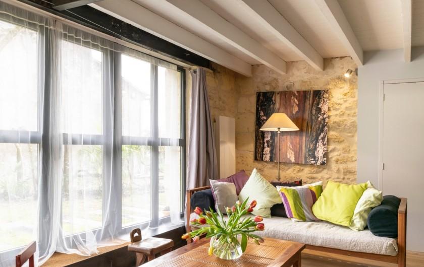 Location de vacances - Gîte à Bourg sur Gironde - salon gite