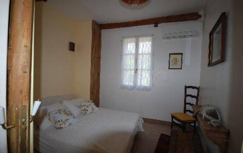 Location de vacances - Appartement à Six-Fours-les-Plages - Chambre jaune 2 lits