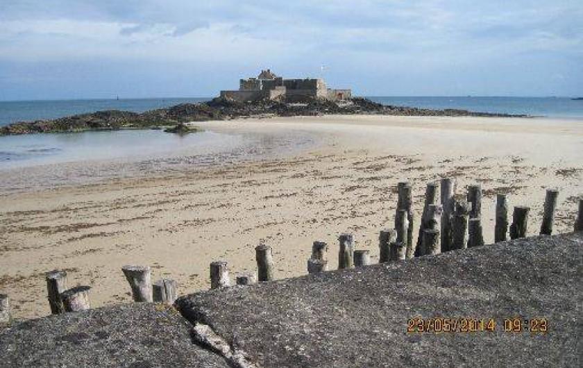 Location de vacances - Appartement à Saint-Malo - Plage à proximité avec le fort National