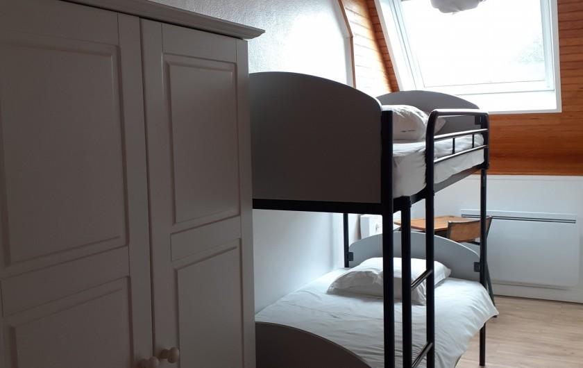 Location de vacances - Appartement à Chastreix - CHAMBRE AVEC UN GRAND LIT