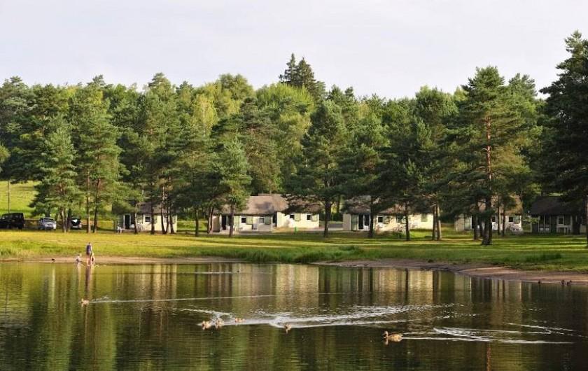 Location de vacances - Chalet à Servières-le-Château - Lodges / Cottages au bod du Lac
