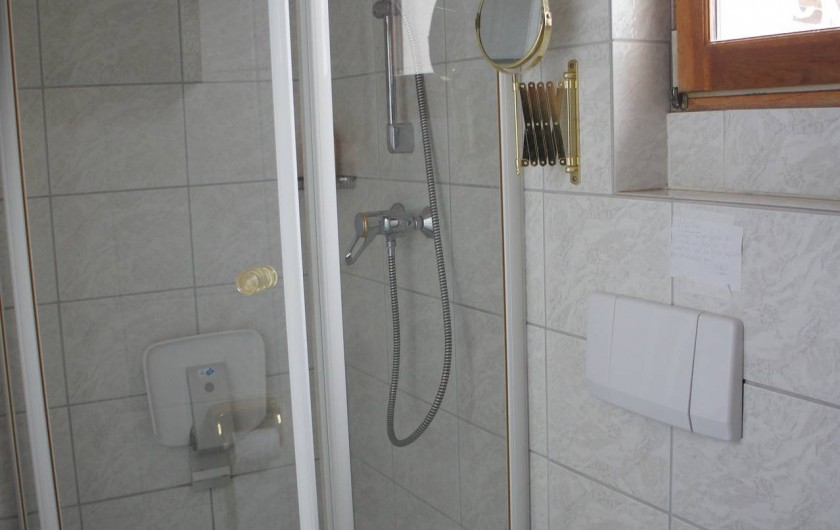 Location de vacances - Villa à Saint-Cézaire-sur-Siagne - salle d'eau