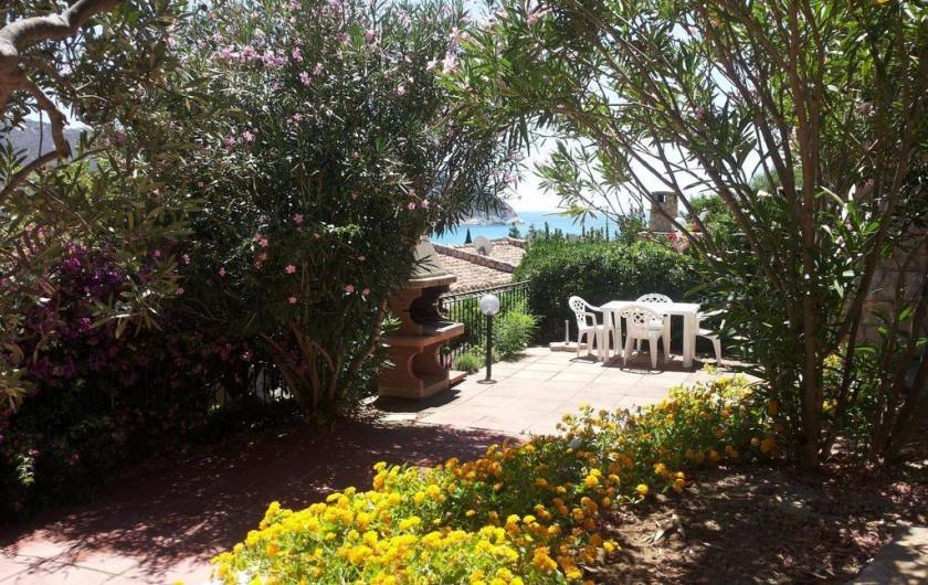 Location de vacances - Maison - Villa à Solanas - giardino con barbeque