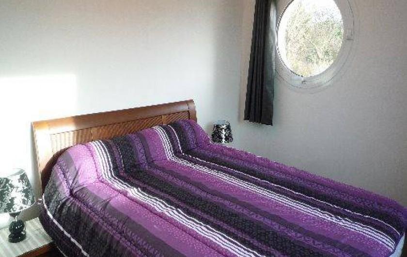 Location de vacances - Villa à Penvénan - CHAMBRE AVEC LIT DE 2 PERSONNES (140cm)
