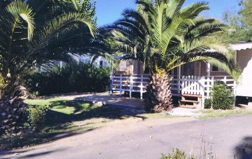 Location de vacances - Camping à Vias - parcelle 200m²  du Mobil home