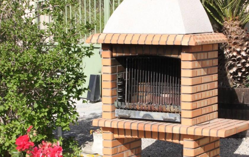 Location de vacances - Villa à Monteux - EXTERIEUR E barbecue