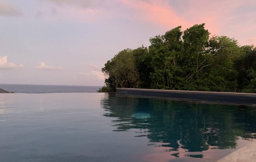 Location de vacances - Villa à Sainte-Anne - vue au coucher de soleil