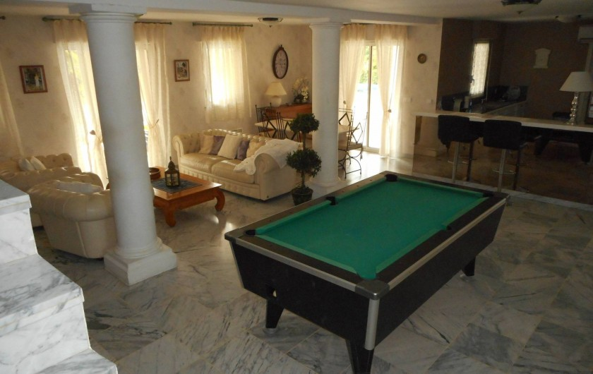 Location de vacances - Villa à Roquebrune-sur-Argens - Salon avec billard US