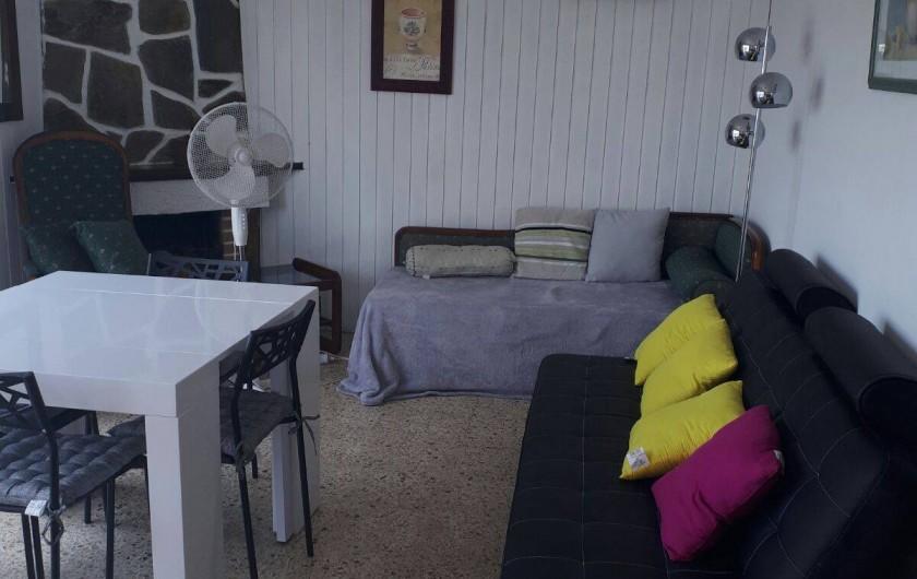 Location de vacances - Villa à Lloret de Mar - salle a manger  et salon