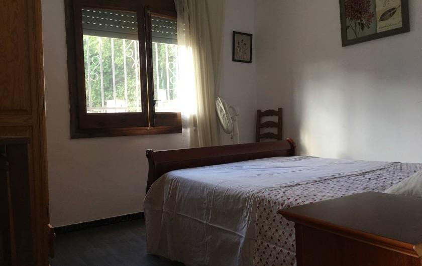 Location de vacances - Villa à Lloret de Mar - chambre du haut en 140